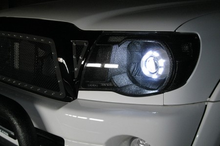 specialtyauto_acccustom_headlight-450x300