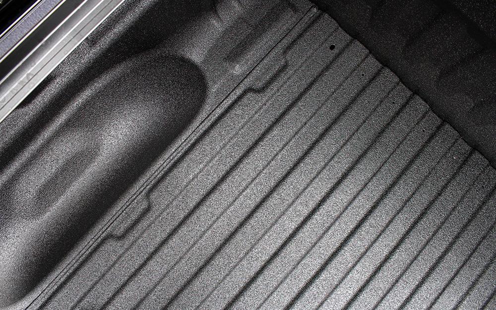 standard-2_overhead-truckbed